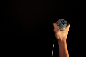 hand-microphone-mic-singing-lessons